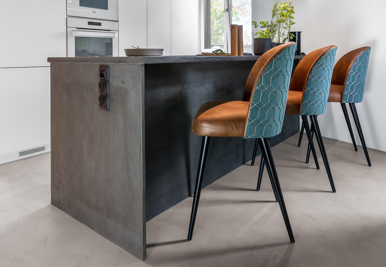 Wysokie krzesło Delphini meble tapicerowane kuchenne producent HM Manufaktura Nowy Sącz Kraków Małopolska