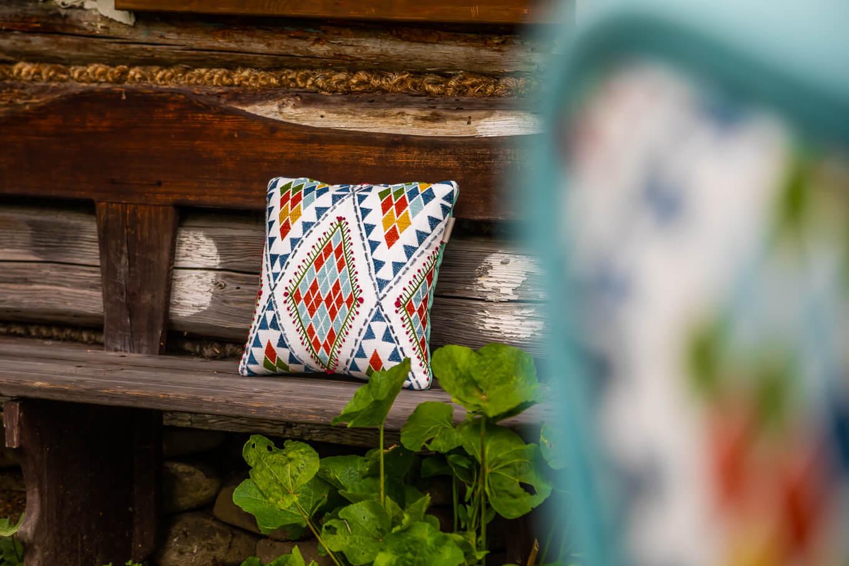 Poduszka dekoracyjna tkanina kolorowe wzory producent HM Manufaktura Nowy Sącz Kraków